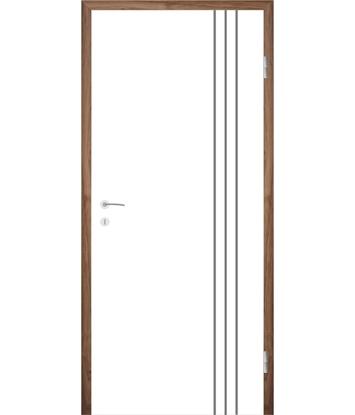 Bíle lakované interiérové dveře s drážkami COLORline - MODENA R36L