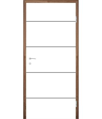 Picture of Bíle lakované interiérové dveře s drážkami COLORline - MODENA R6L